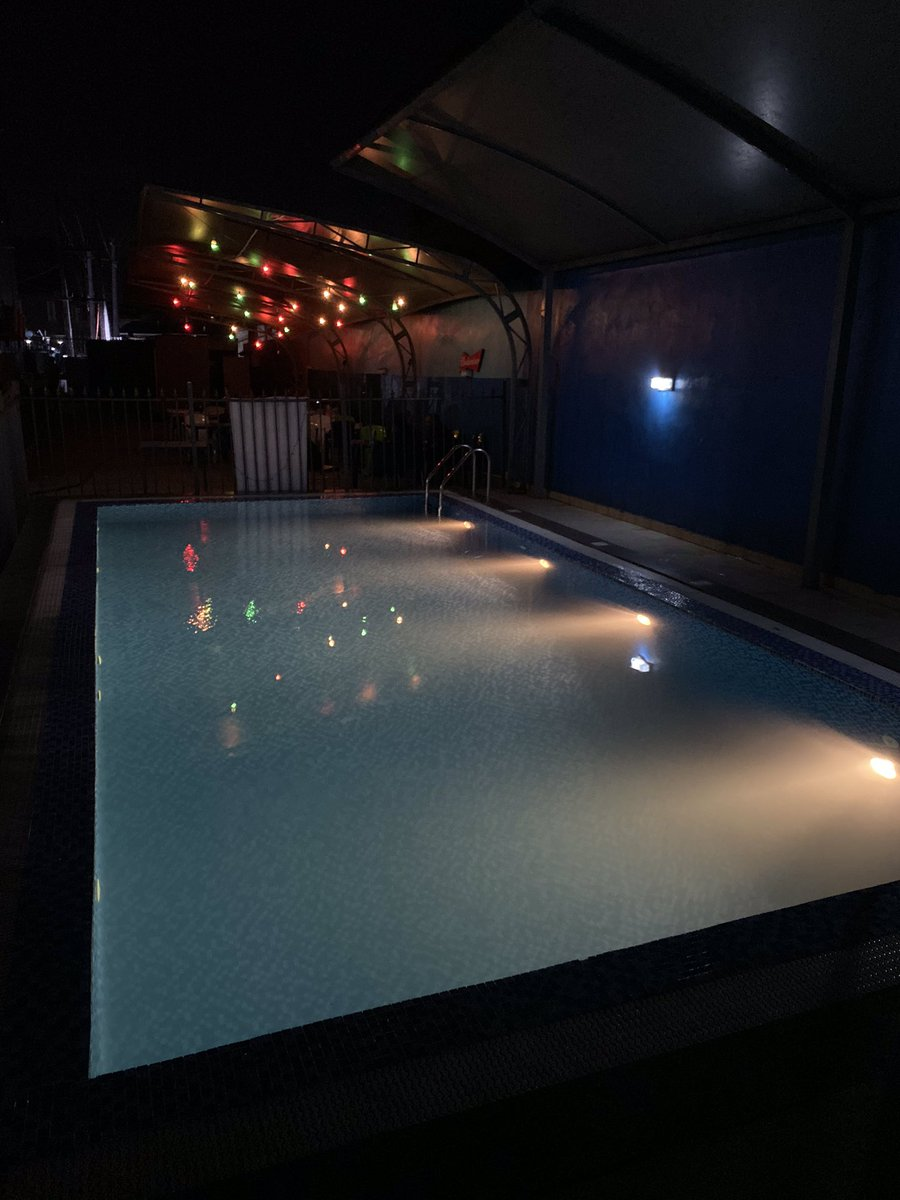 Cum comanzi? - Kundalini Pool Bar & Lounge