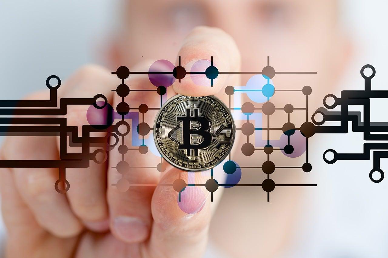 cum să faci bani pe fluctuațiile bitcoin