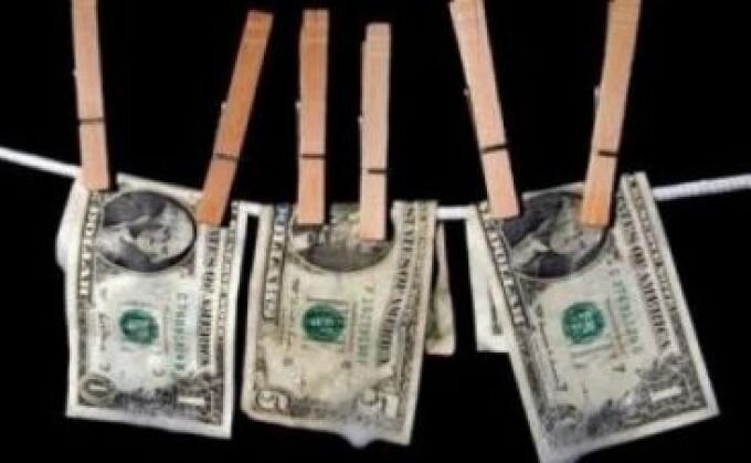 Bani mulți în țara ta sau bani puțini în alta?