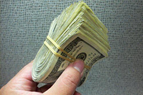 Câți bani trebuie să câștigi pentru a lua un credit Noua Casă