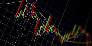 Află cum funcţionează tranzacţionarea de CFD-uri | XTB